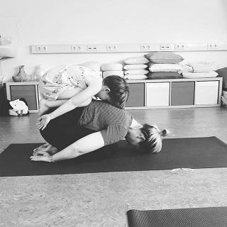 Yogapraktijk OmiYoga - Ouder & kind yoga 3