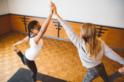 Yogapraktijk OmiYoga - Tieneryoga