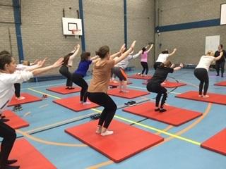 Yogapraktijk OmiYoga - Yoga op middelb scholen